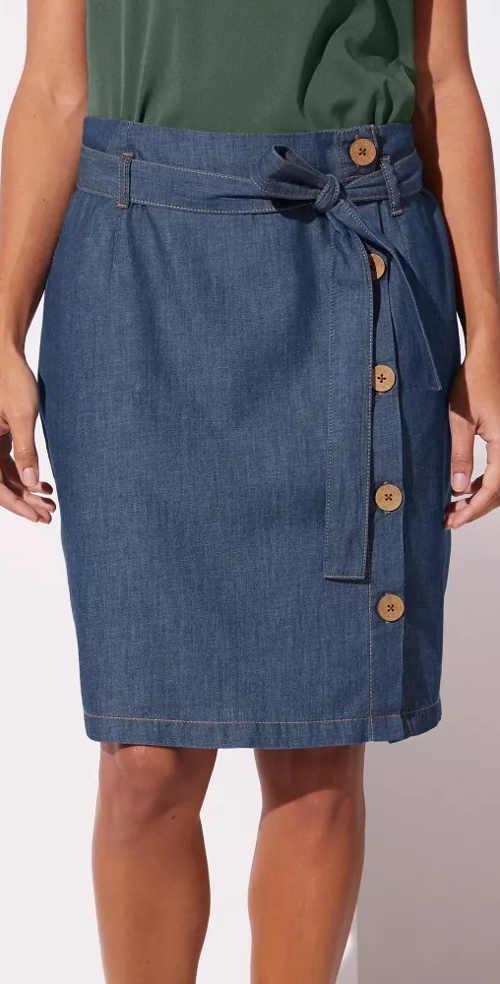 Propínací džínová sukně s knoflíky a zavazovacím opaskem