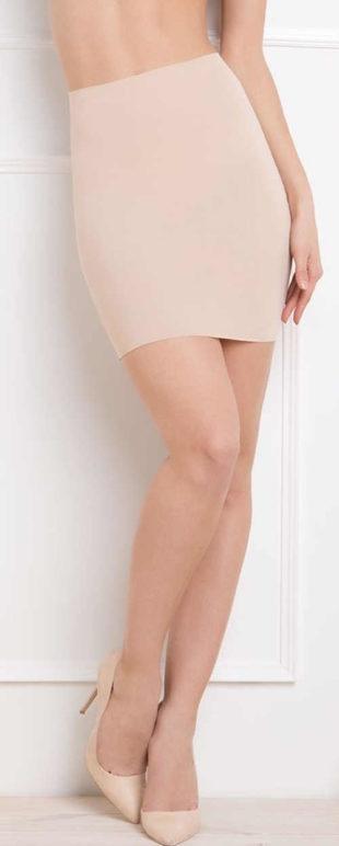 Hladká stahovací spodnička tvarující postavu od bříška až po stehna