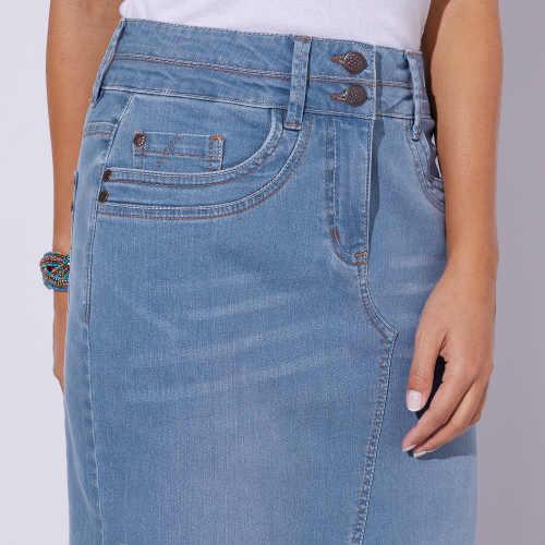Moderní džínová sukně vpředu s rozparkem