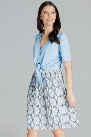 Plisovaná dámská sukně v moderním vzoru v délce ke kolenům