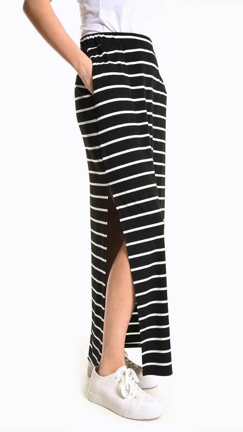 Sukně v černo-bílé kombinaci s rozparky