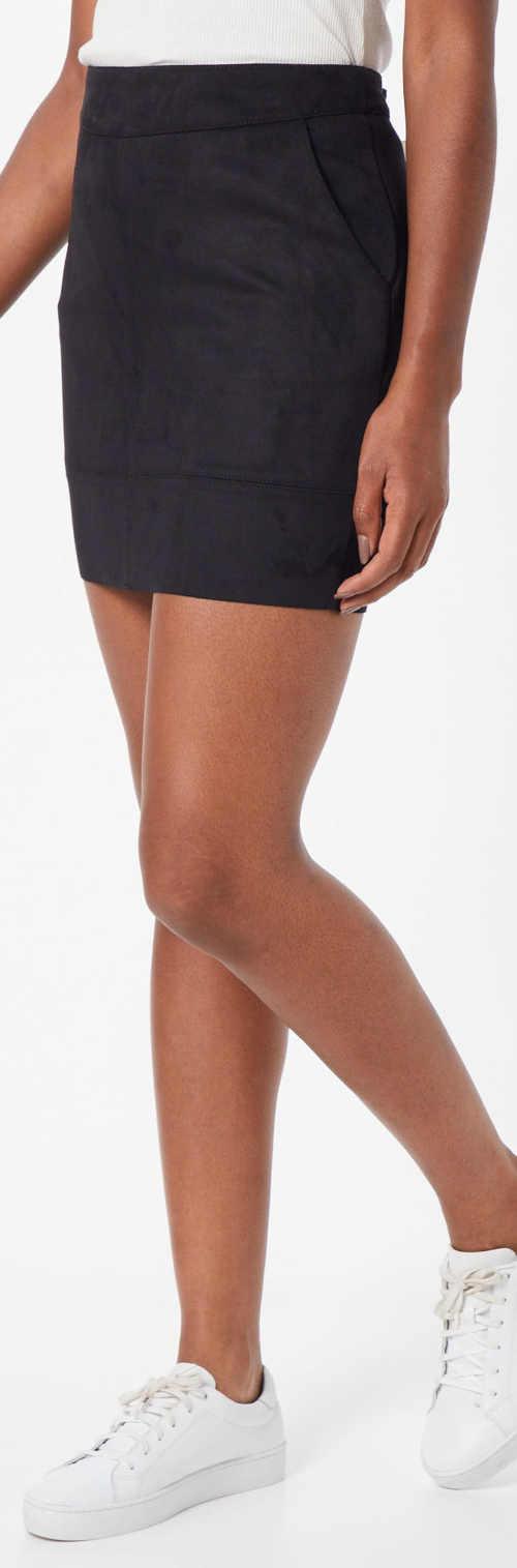 Moderní černá jednobarevná mini sukně s kapsami