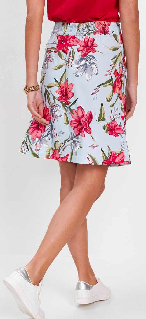 Světle modrá dámská sukně s krásným květinovým vzorem