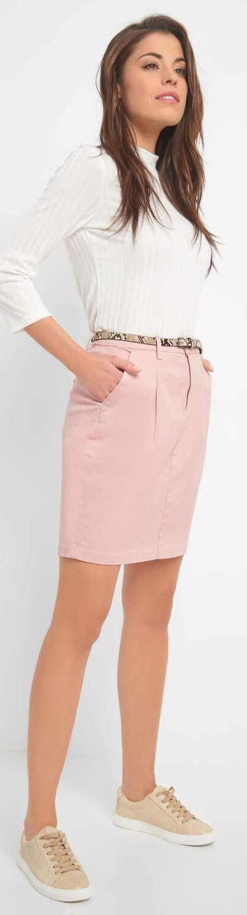 Světle růžová elegantní sukně s délkou nad kolena