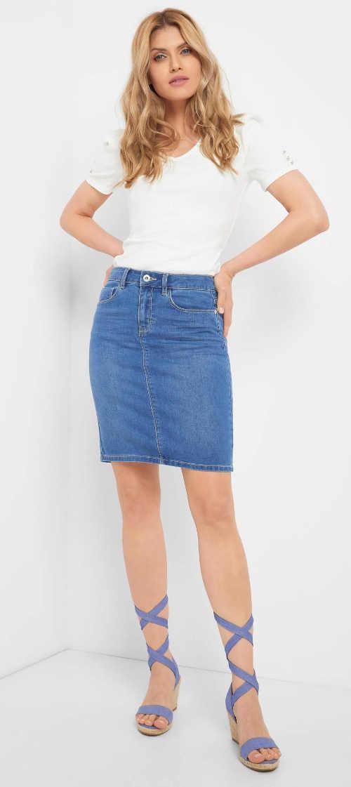 Dámská denimová mini sukně s decentním rozparkem