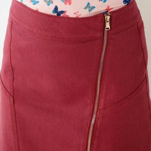 Strečová dámská sukně s asymetrickým zipem v medové barvě