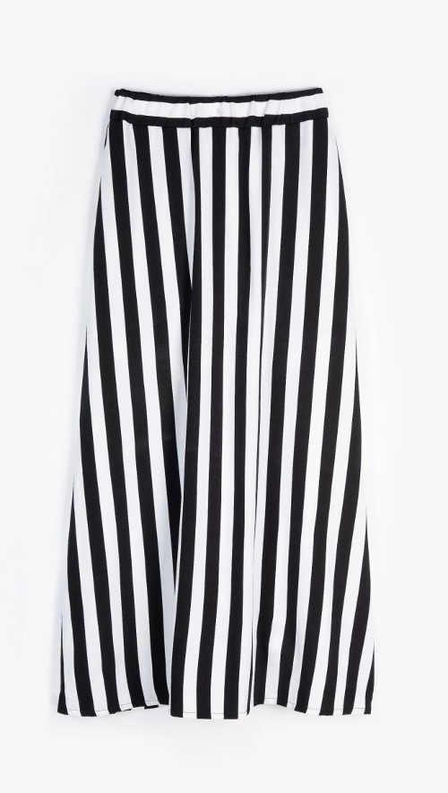 černo-bílá pruhovaná dlouhá sukně