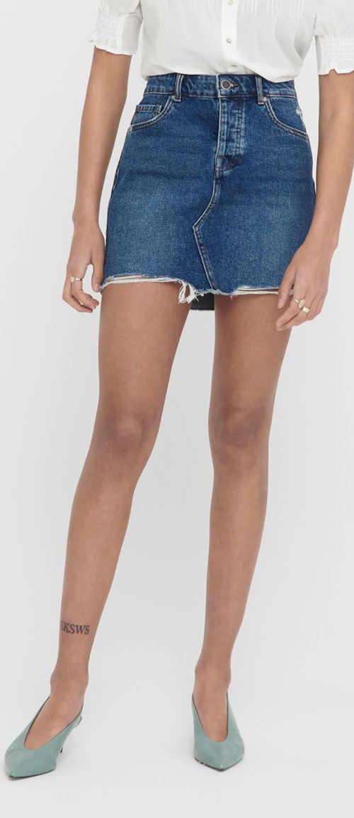 Džínová minisukně s rozpáraným spodním lemem