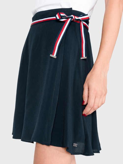 modrá sukně v mini délce