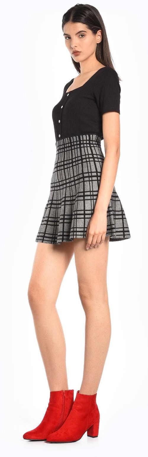 Vyšší tenisová sukně s kostkovaným vzorem