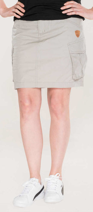 Krátká šedá sukně s velkými bočními kapsami