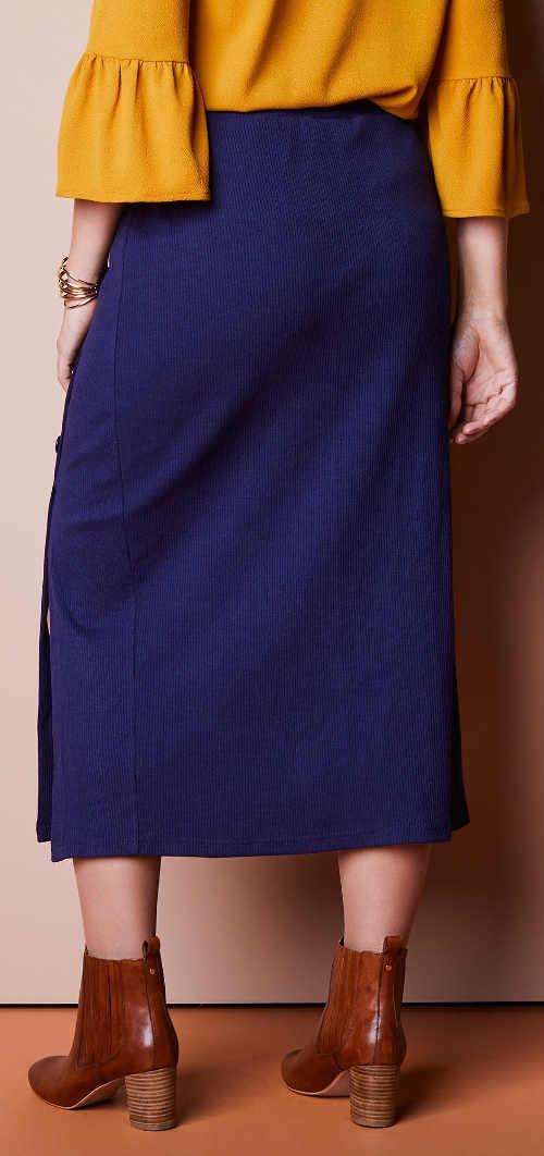 Modrá zimní sukně z pohodlného úpletu