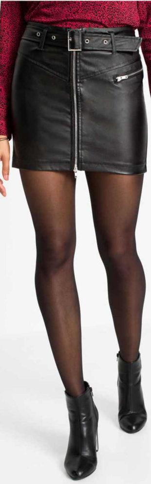 Černá kožená dámská sukně se zipem na přední straně