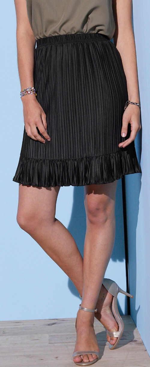Plisovaná dámská sukně v jednobarevném černém provedení