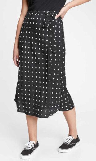 Dámská dlouhá sukně GAP v moderním vzoru z kvalitní látky