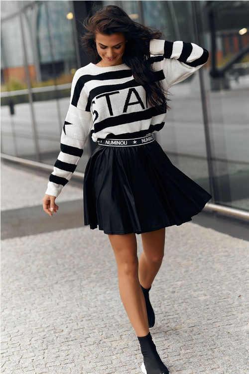 Trendy černá krátká sukně do pohodlného pružného pasu