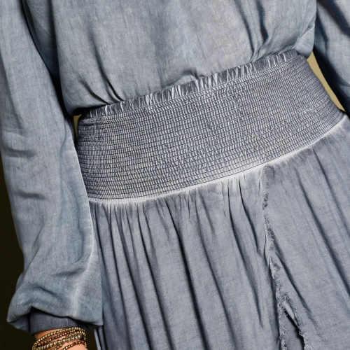 sepraná dlouhá dámská sukně