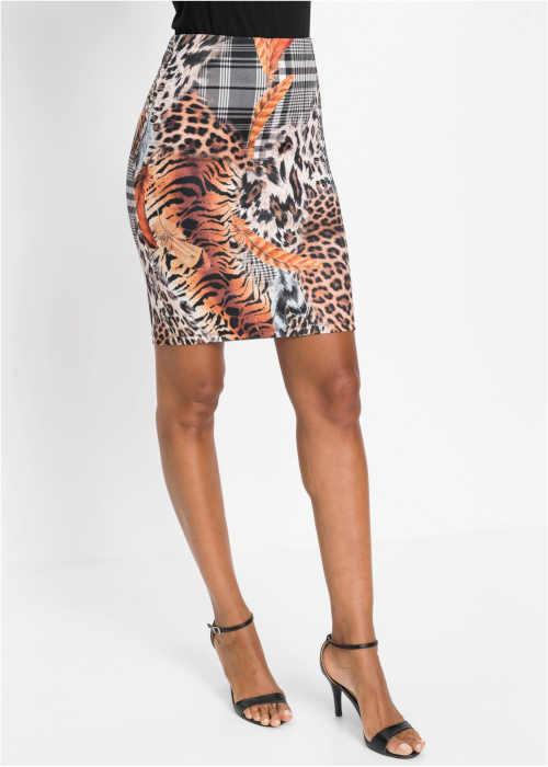 Pouzdrová sukně nad kolena v moderním interesantním potisku