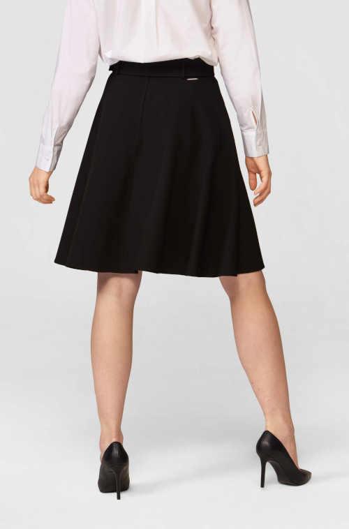 černá áčková kvalitní sukně