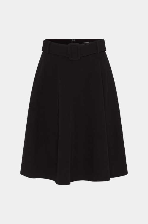 černá áčková sukně s páskem