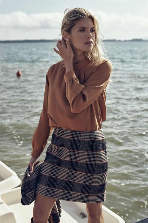 károvaná krátká dámská sukně