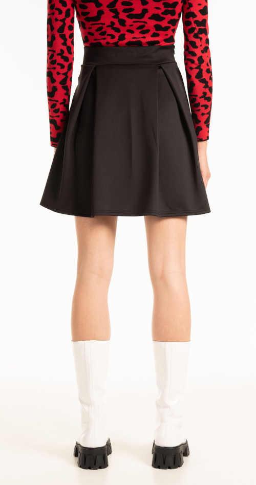 stylová sukně v mini délce
