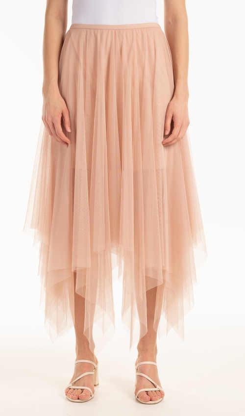 Módní tylová sukně v růžové barvě asymetrického střihu