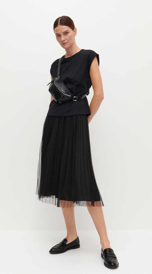 černá tylová skládaná sukně