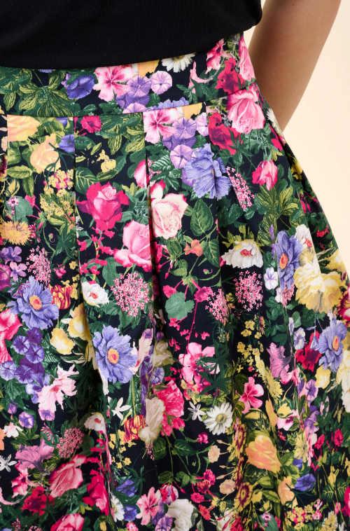 dámská skládaná květovaná sukně