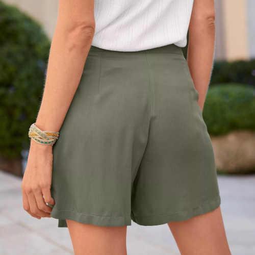 moderní dámské sukňové šortky