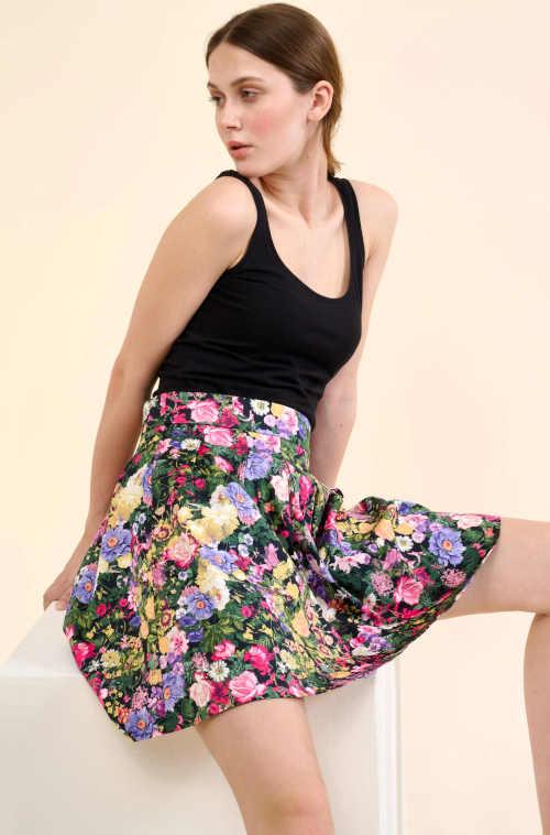 moderní květovaná sukně na zip