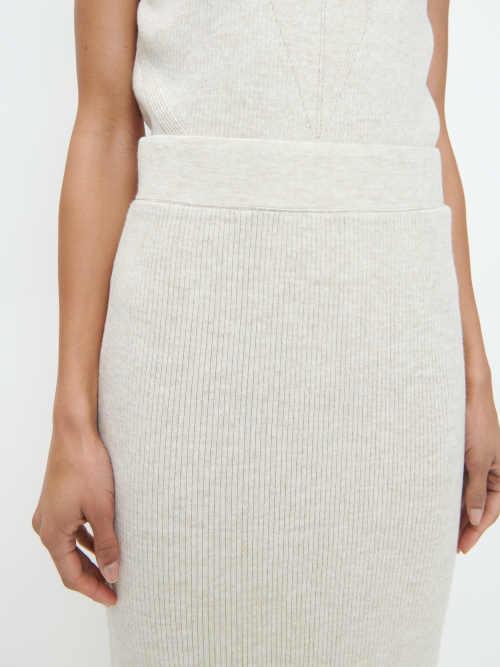 pletená midi sukně světlé provedení