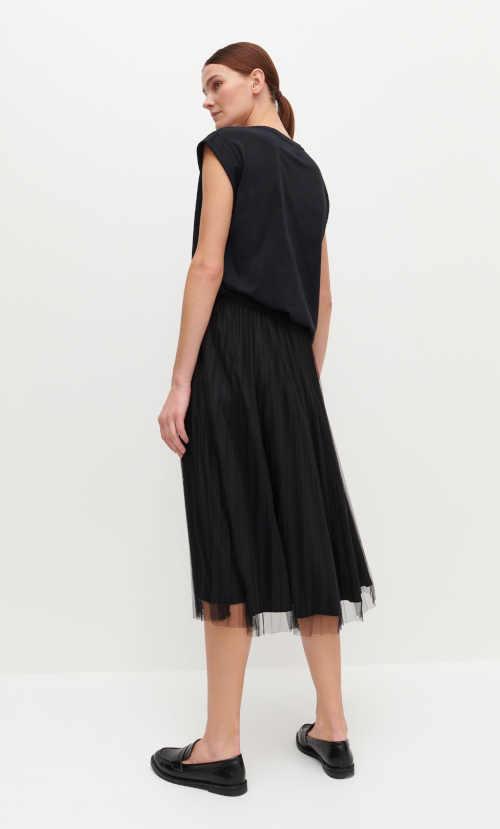 skládaná černá midi sukně
