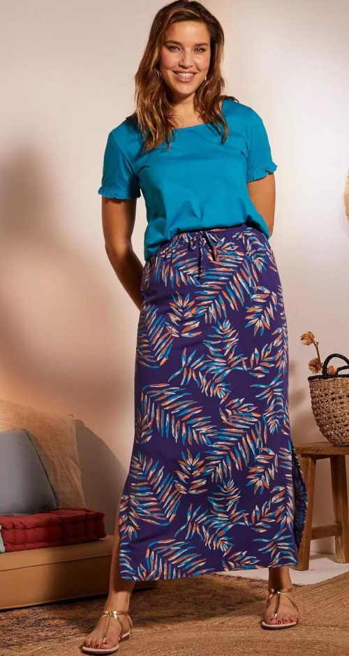 Maxi sukně s rozparkem v moderním potisku do pružného pasu
