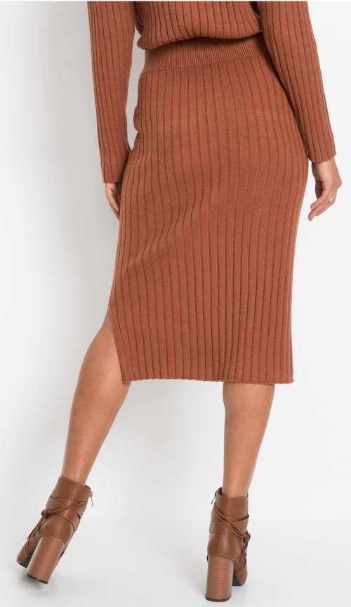 Úpletová hnědá sukně s délkou pod kolena