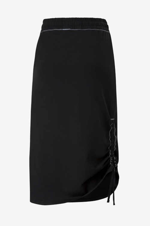černá sukně Puma v midi délce