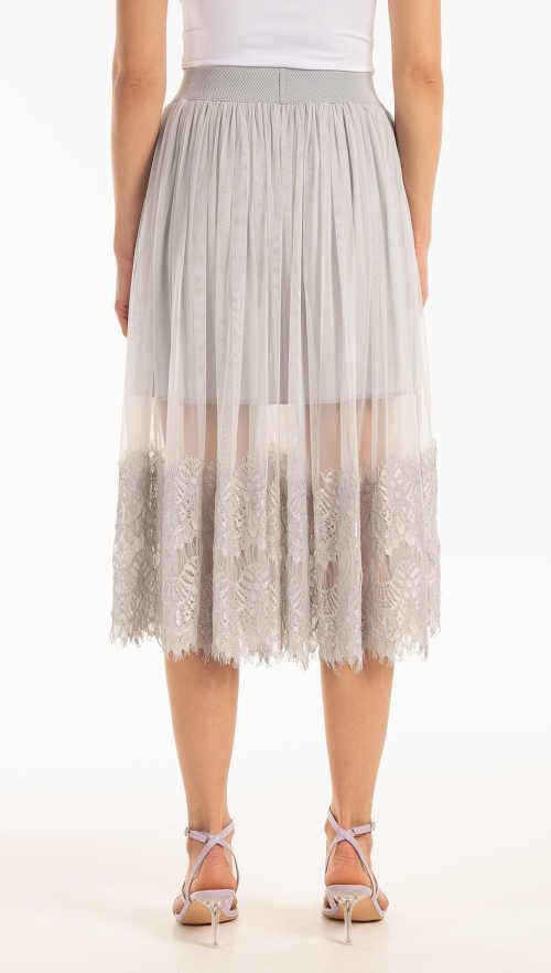 moderní vzdušná áčková sukně