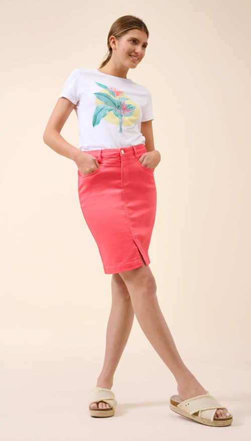 sukně v krátké délce s kapsami