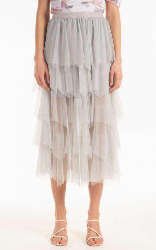 Módní tylová dámská sukně s volány v komfortní midi délce