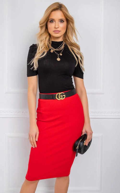 Úplá dámská sukně ke kolenům v červeném provedení
