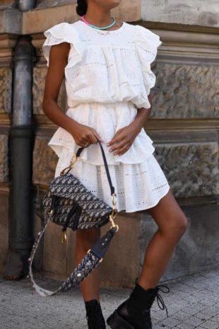 bílá letní dámská sukně