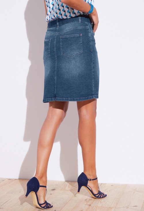 riflová sukně nad kolena